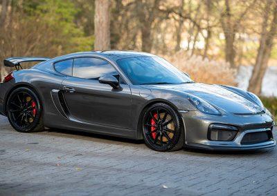 16-Porsche-Cayman-GT4-6